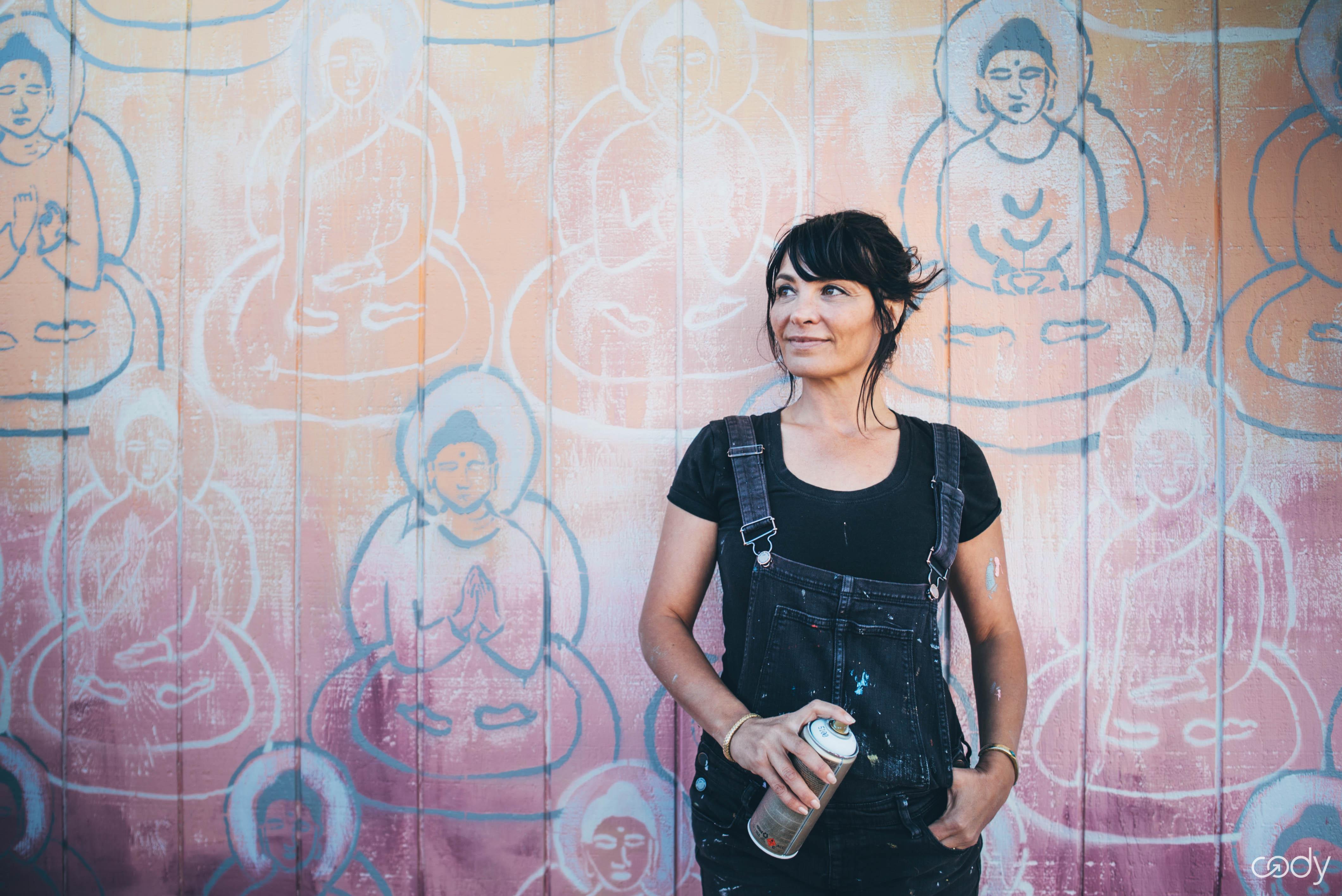 Amanda Giacomini and the 10,000 Buddhas Project. Credit: Cody App