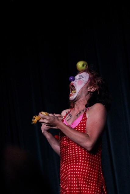 Lulu the Clown (Lucy Antonia Eden) juggling fruit October 2016