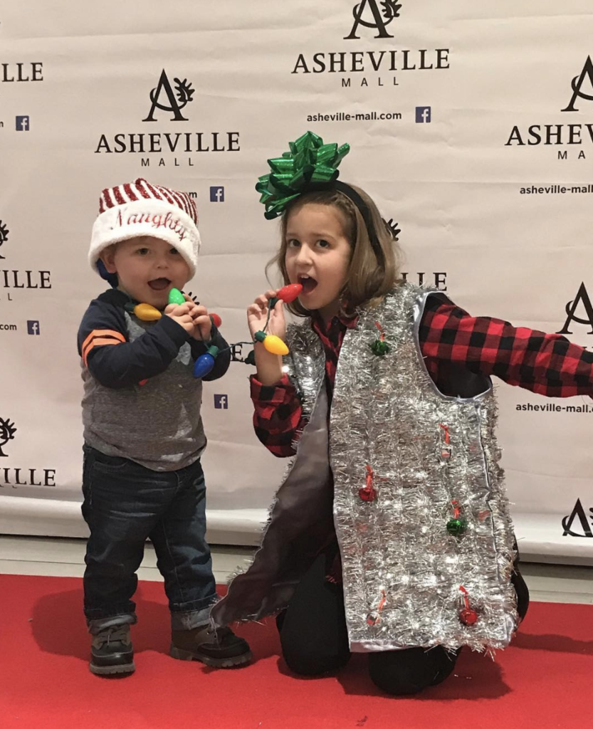 Asheville Mall & partners. Gritmas Day: 10